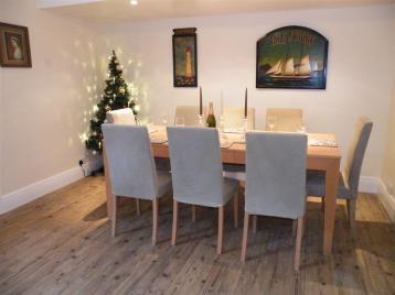 Tea Tree Cottage dining room (Large)