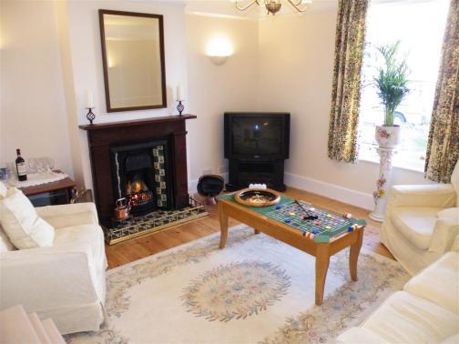 Tea Tree Cottage lounge (Large) - Copy