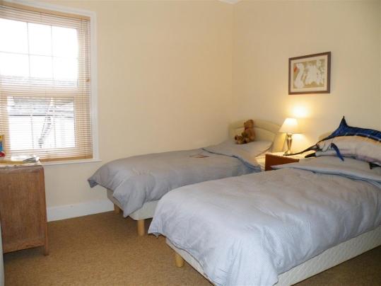 twin bedroom 2 - Copy